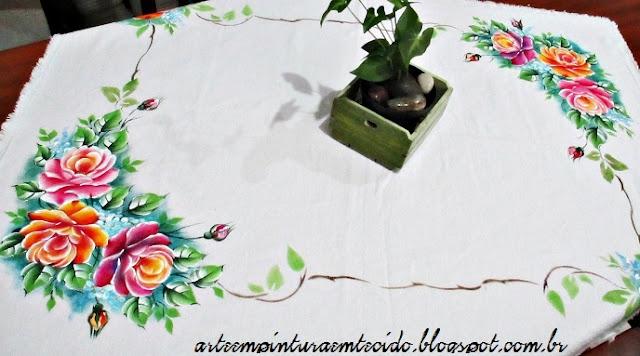 rosas pintadas toalha de mesa