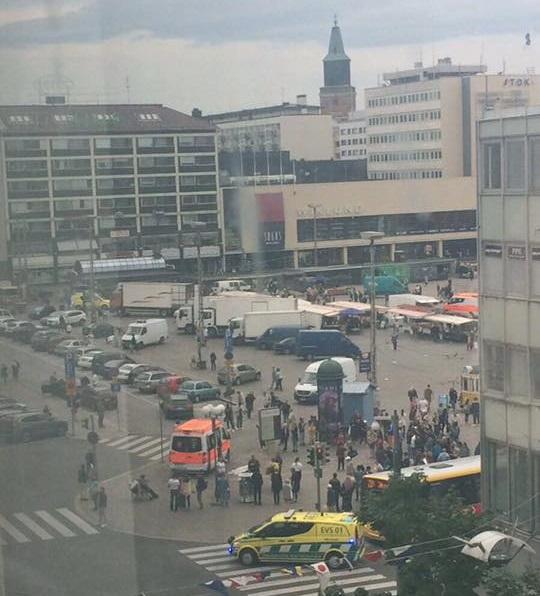 Um ataque em Turku, na Finlândia, deixou vários feridos.