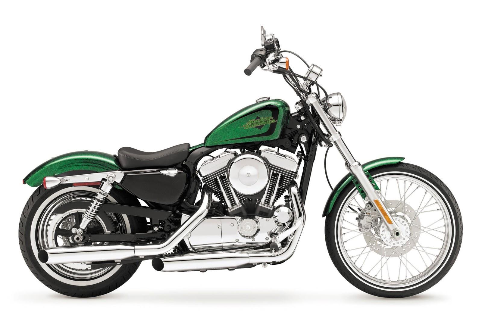 Motorcycles: 2013 Harley-Davidson XL1200V Seventy-Two