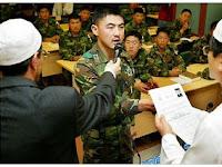 SUBHANALLAH! TENTARA KOREA BERBONDONG-BONDONG MASUK ISLAM
