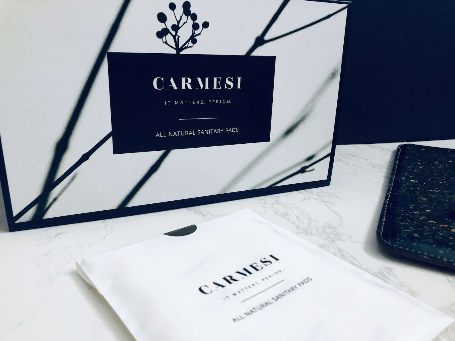 carmesi pads packaging