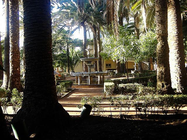 Caminando por sierras y calles de andaluc a joyas for Jardin ingles