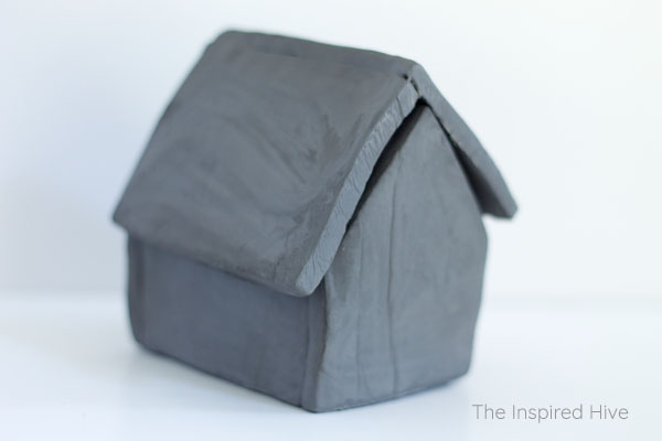 Great project idea for beginners! How to make these cute DIY air dry clay nesting houses!