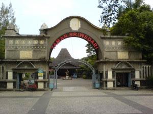 Taman Sriwedari Taman Sriwedari