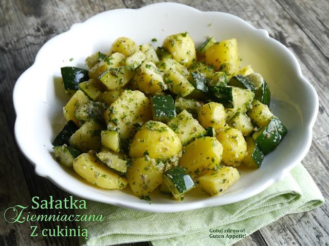 Sałatka ziemniaczana z cukinią - Grüner Kartoffelsalat - Czytaj więcej »