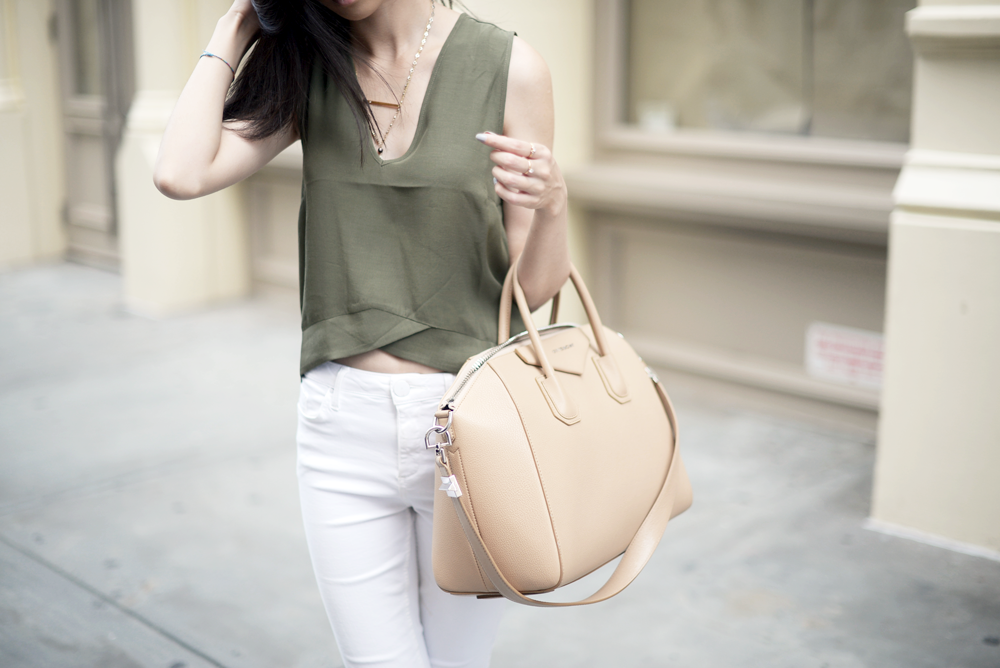 Summer Olive Givenchy Antigona Beige / FOREVERVANNY.com