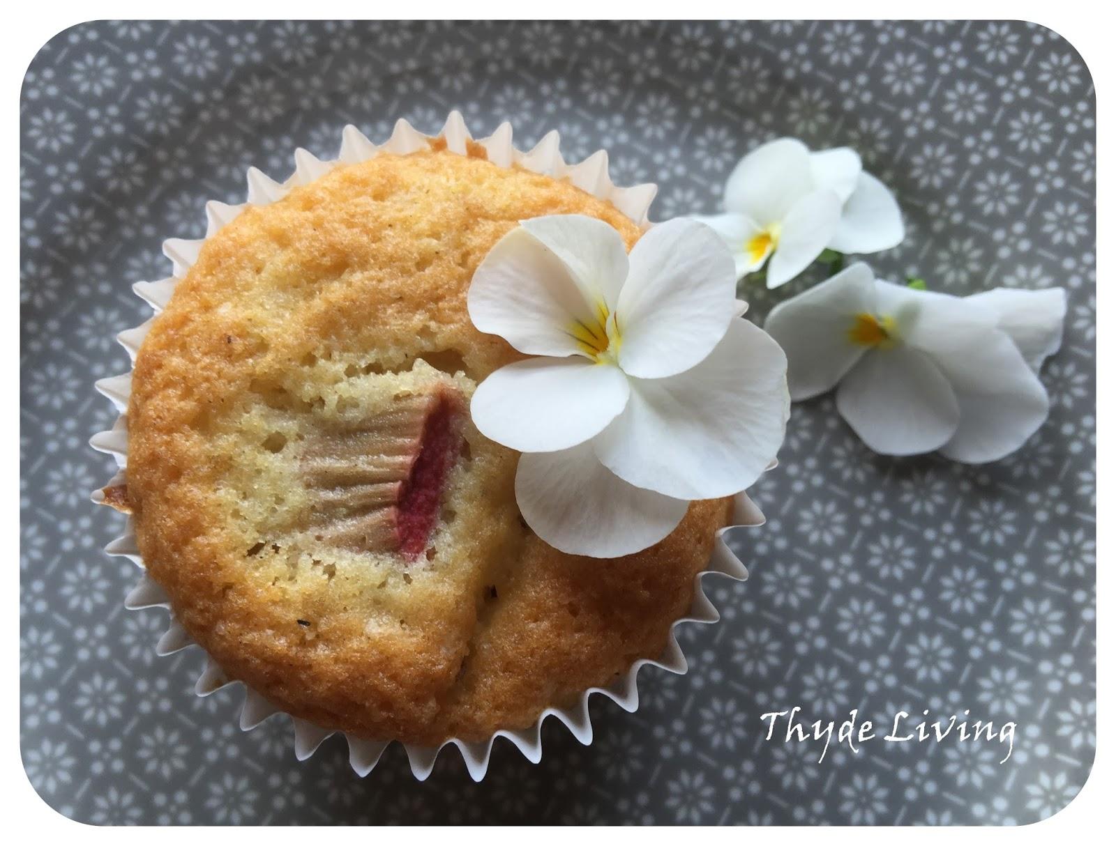 Thyde Living Muffins Med Rabarber Og Hvid Chokolade