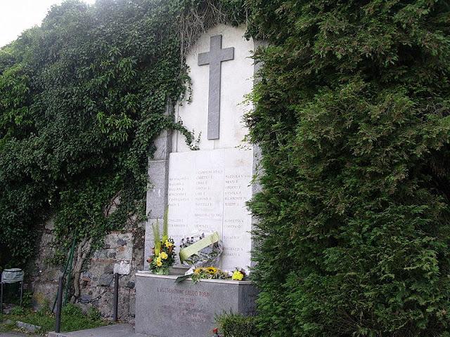 Memorial às vítimas do desastre em Superga em 1949