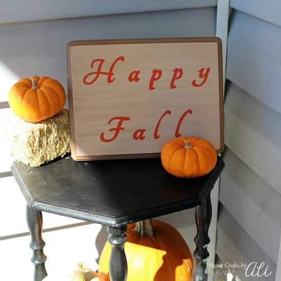 Happy Fall Sign in Outdoor Autumn Decoration Display
