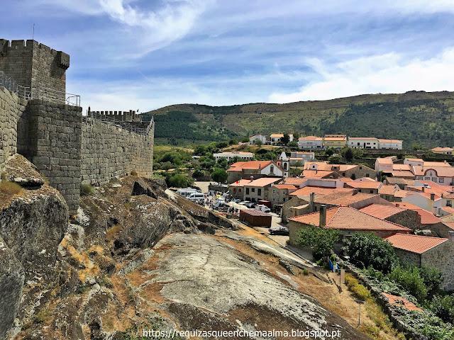 Vista panorâmica do Castelo de Linhares da Beira