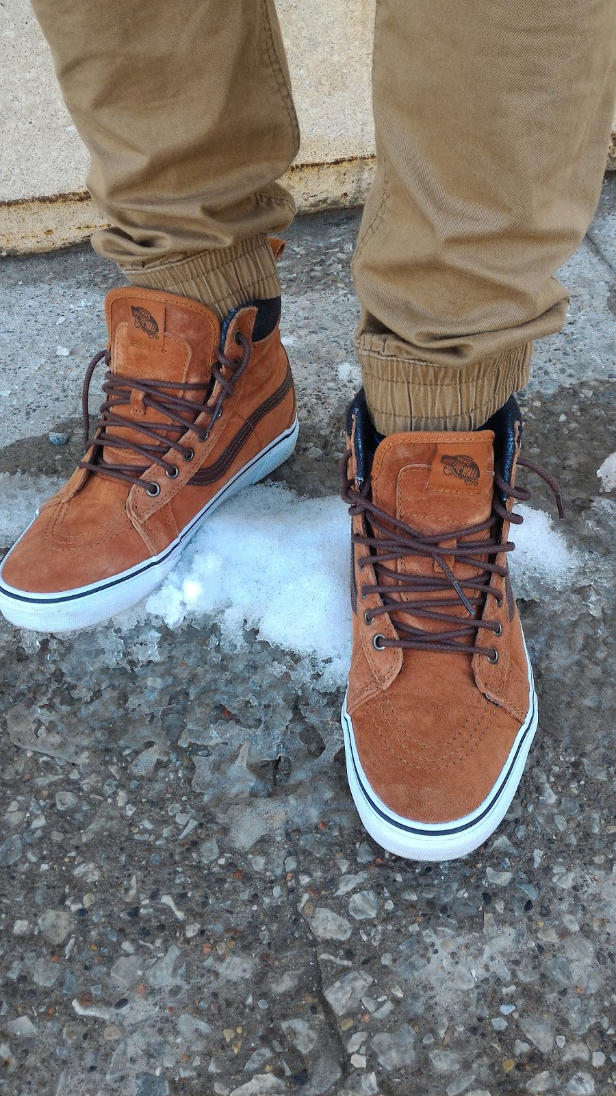 2e683d366c511f A Vans constructed lug outsole takes advantage of over 20 years of snow boot  history