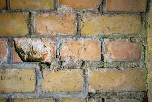Neuf-Brisach, tour bastionnée n°2 — Graffitis