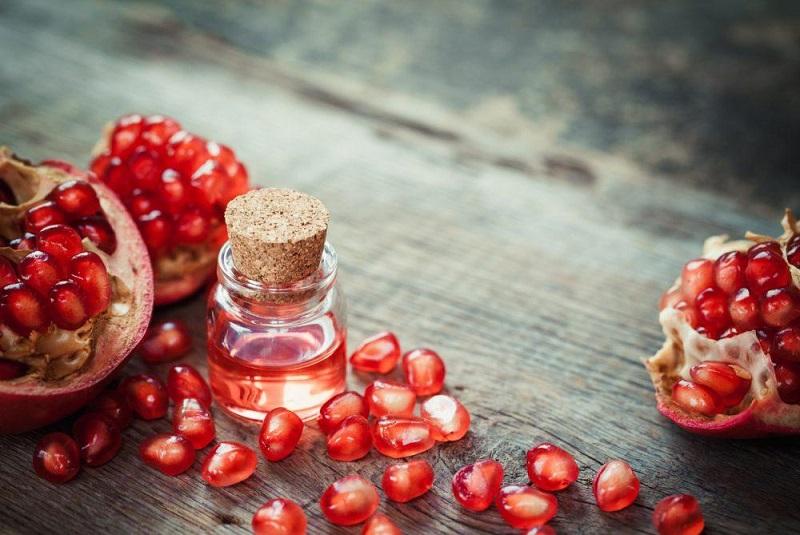 12 Benefícios maravilhosos do óleo de semente de romã
