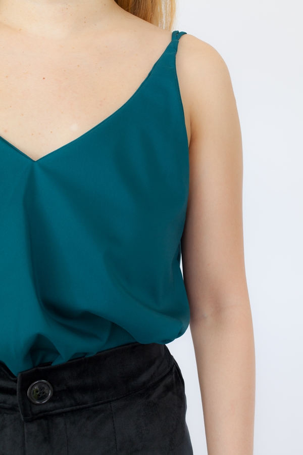 VST877 Emerald Green
