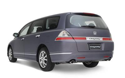 Eksterior Honda Odyssey Absolute Facelift
