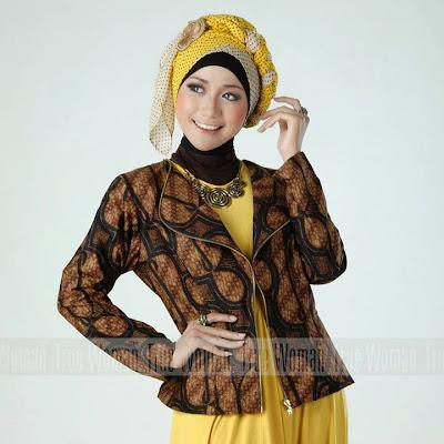 Model Baju Batik Kerja Wanita Muslimah Modis Terbaru