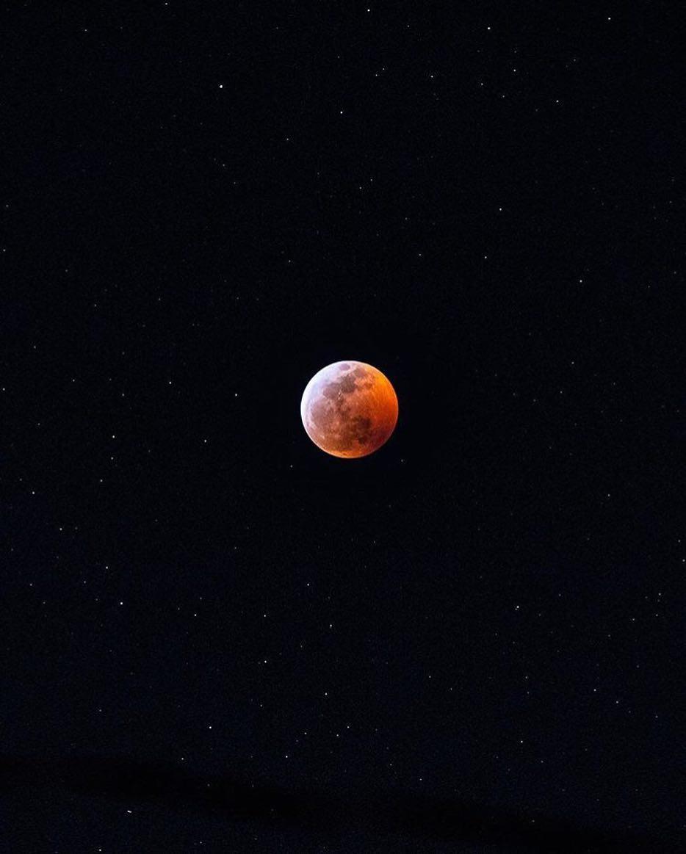 """""""Кровавое"""" лунное затмение 2019"""