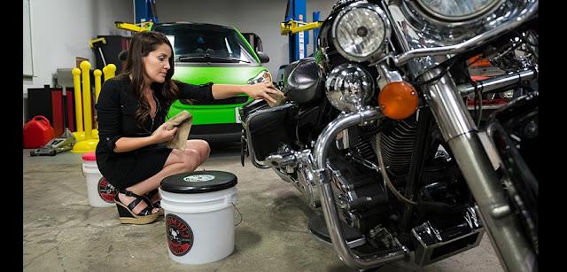 Inilah Agar Sepeda Motor Terlihat Seperti Baru Dengan Mencuci Steam