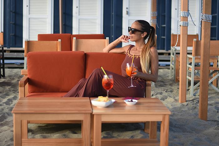 outfit aperitivo in spiaggia