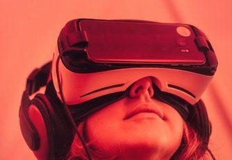 teknologi Virtual Reality dalam dunia nyata