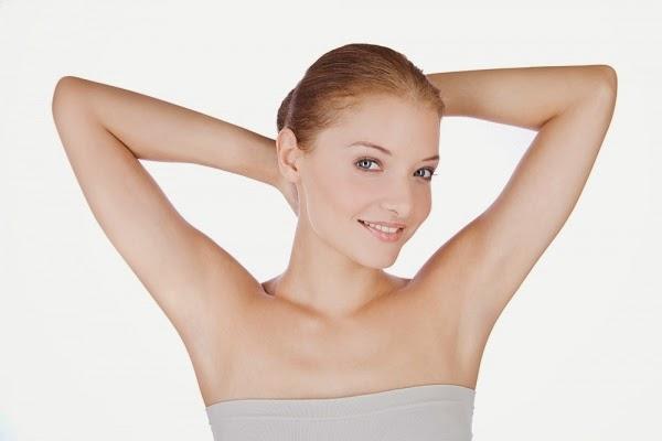 Con gái có nên nhổ lông nách? hại hay lợi?