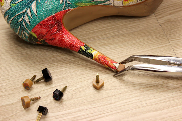 Réparer ses escarpins soi meme, embouts de talons, les petites bulles de ma vie