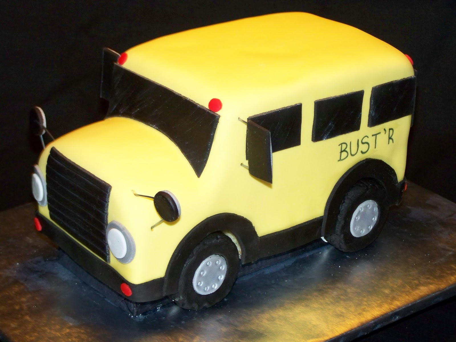 Cakes by Kristen H.: Mobile Pre-K Bus Cakes