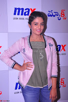 Sree Mukhi at Meet and Greet Session at Max Store, Banjara Hills, Hyderabad (14).JPG