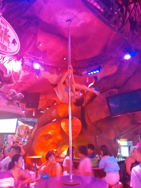 Amazing Pole Dance in Thailand