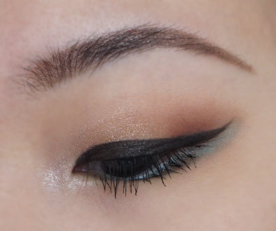 Teal Makeup For Monolids Outfits