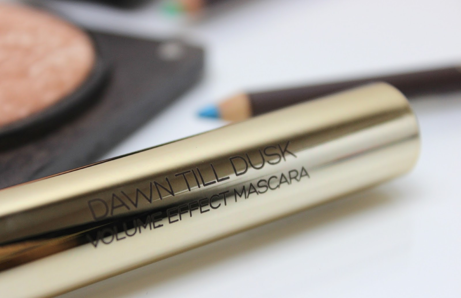 A picture of KIKO Modern Tribes Dawn to Dusk Volume Mascara