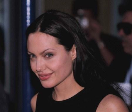 angelina-2002-premiere