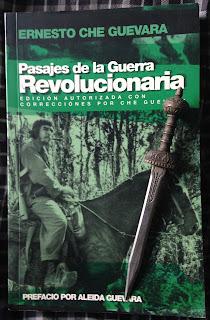 Portada del libro Pasajes de la guerra revolucionaria, de Ernesto Che Guevara