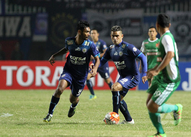Arema vs PS TNI