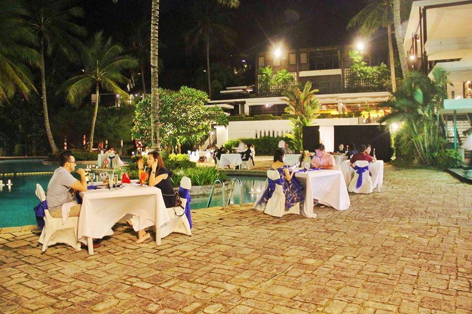 Romantisnya Dinner Saat Valentine Day di Turi Beach Resort