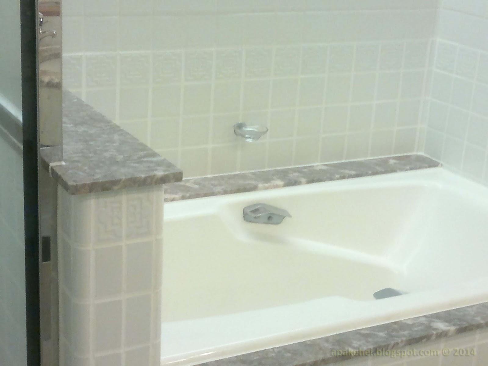 Bath tab - Hotel Istana