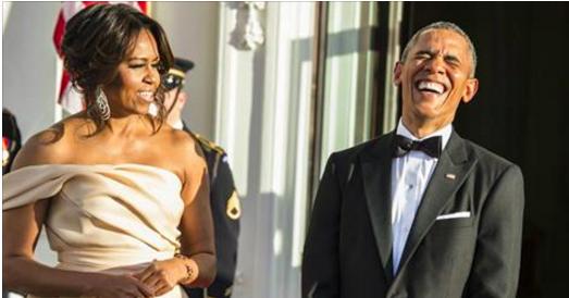 VIDEO – Michelle Obama, embarrassée par l'imposant cadeau de...
