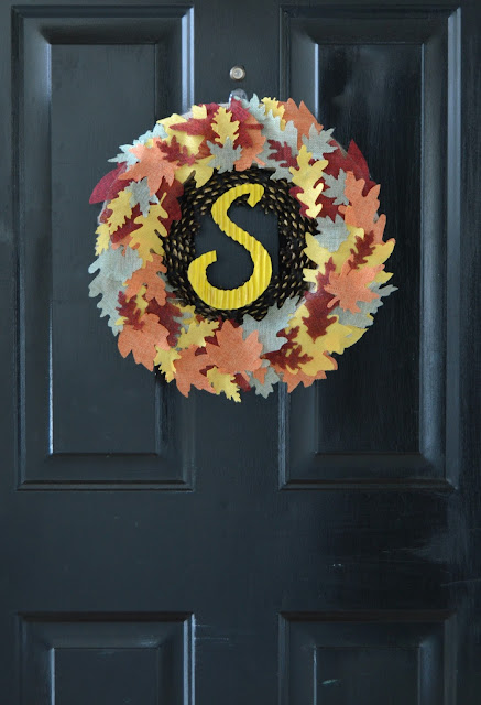 DIY Fall wreath using burlap fall leaves and pinecones