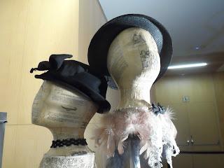Sombreros vintage en la feria de antiguedades de Burgos
