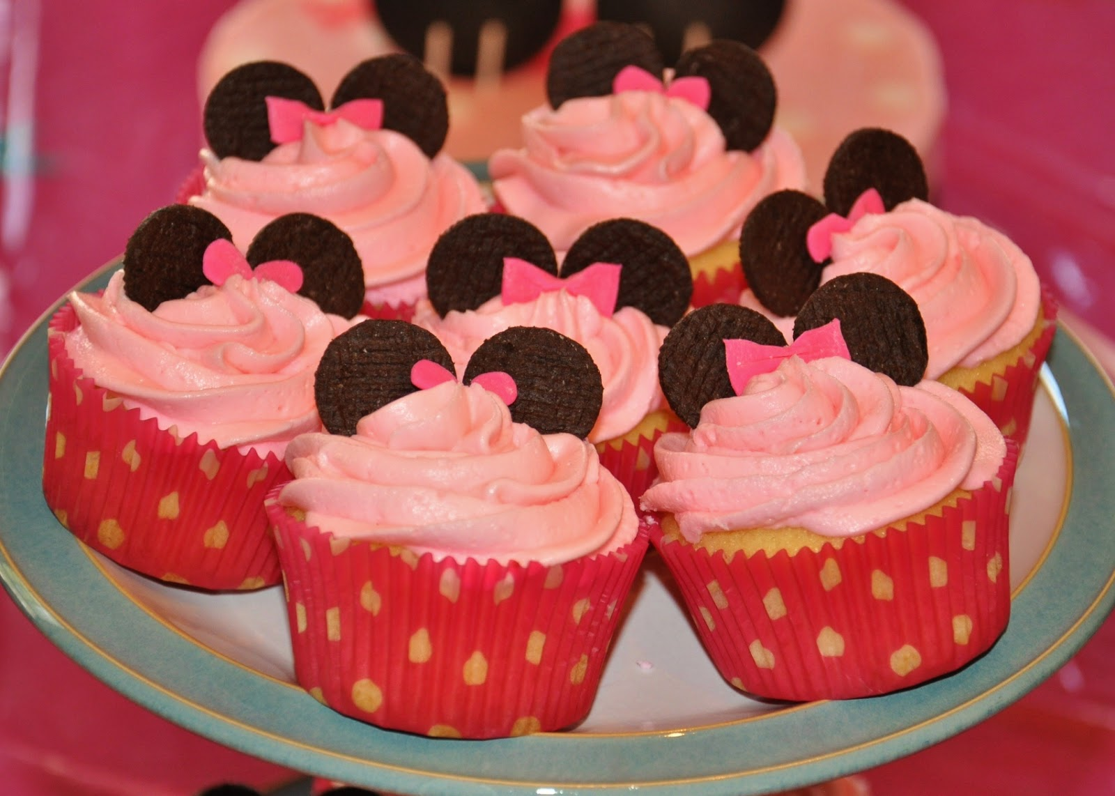 How To Make Minnie Mouse Cake Pops