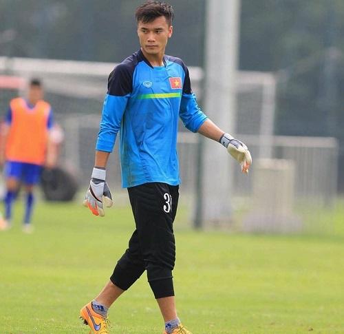 Tiến Dũng là thủ môn hàng đầu của U19 Việt Nam.