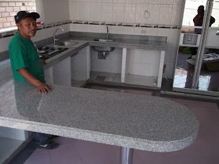 Encimeras mesas tablero cocina granito marmol piedra natural for Composicion del marmol