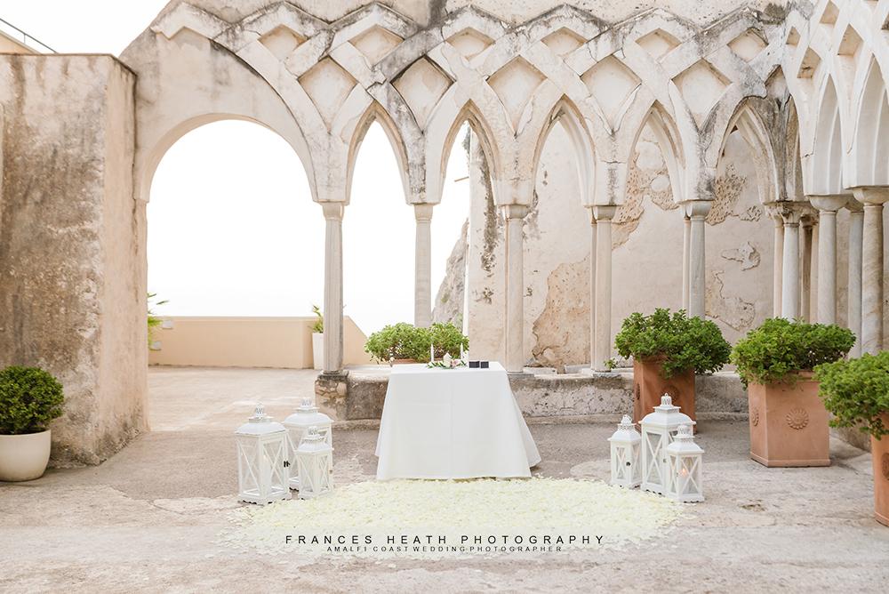 Elopement wedding ceremony decoration