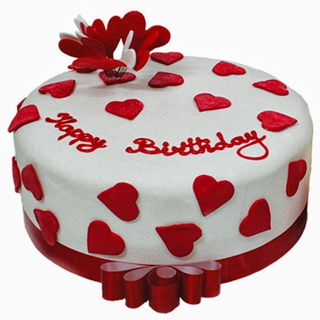 happy-birthday-cakes-in-heart-design