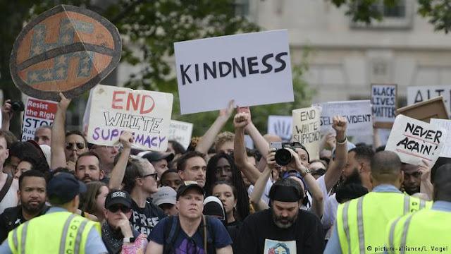 Milhares protestam contra extrema direita em Washington