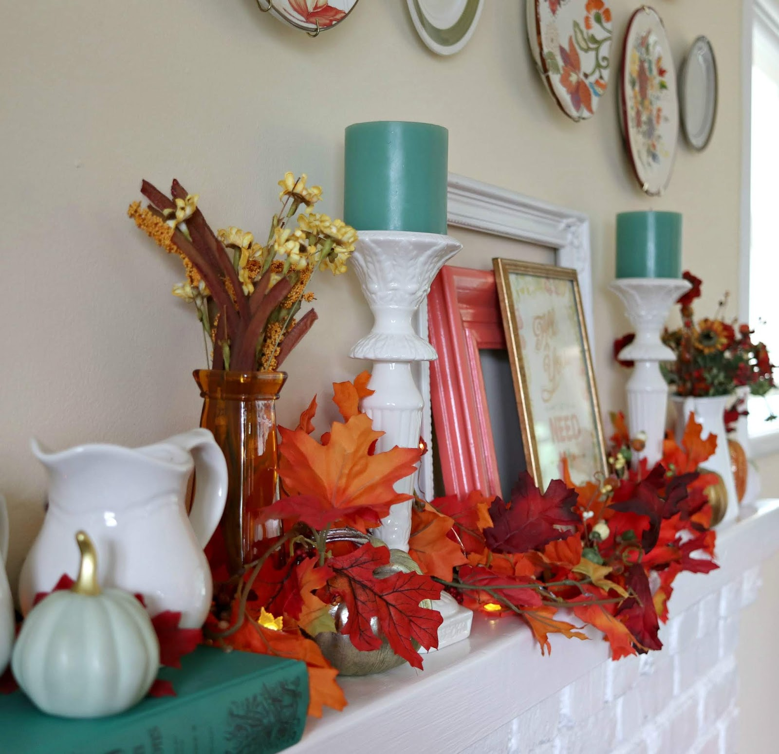 A Colorful Cottage Fall Home Tour