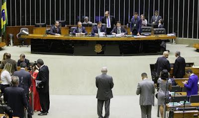 Câmara aprova MP que mantém desconto no preço do óleo diesel