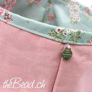 taschen und handtaschen onlineshop mit quaste und anhänger shabby chic style in rosa und grün