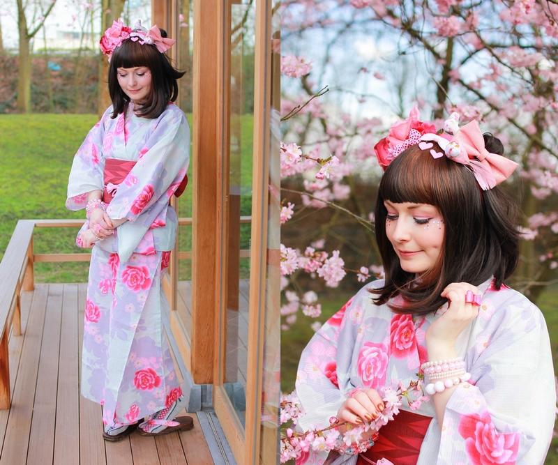 Tenue traditionnelle japonaise avec un Yukata fleuri, et un headdress composé de fleurs