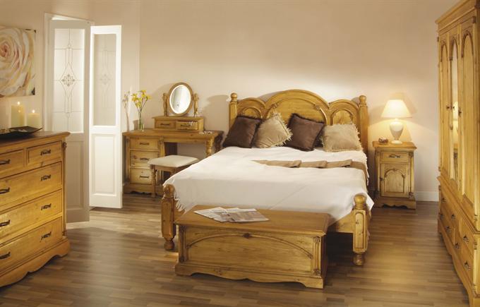 Romantic Flourish Charming Wall Decor Bedroom